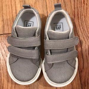 NWOT baby Gap Shoes